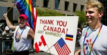 toronto-gay-pride-parade-COUPLES